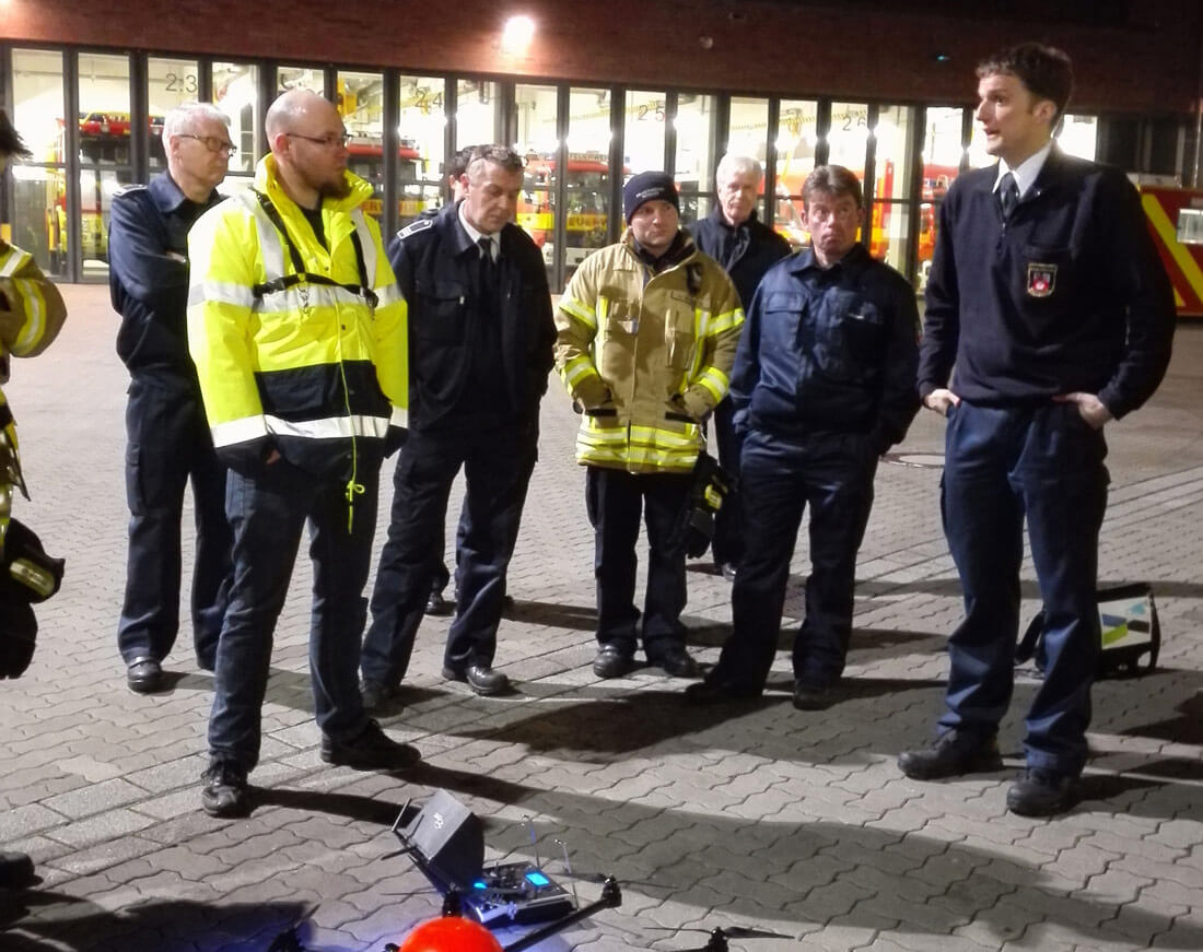 Vorführung neuster Technik von SPECTAIR bei der Feuerwehr Ratingen